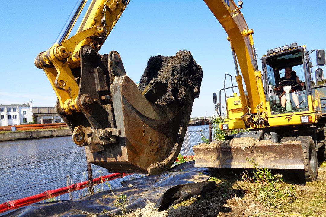 Vēsturiski piesārņoto vietu Sarkandaugavas teritorijā projektēšana un attīrīšanas darbi